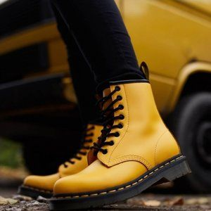 Dr Martens 1460 Yellow Smooth 24614700 Core Boots
